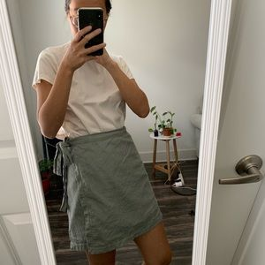 Abercrombie Wrap Skirt size Small